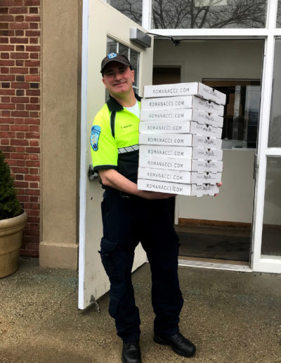 Westport EMS receives Romanacci Pizza for lunch